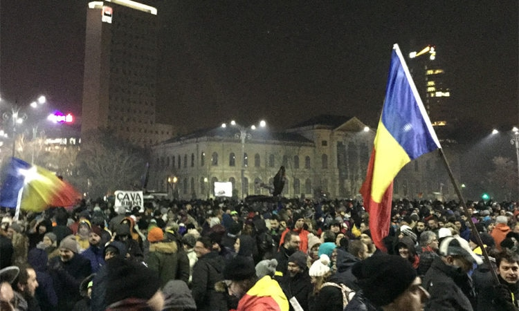 Large Scale Anti-government Protests Continue Throughout Romania